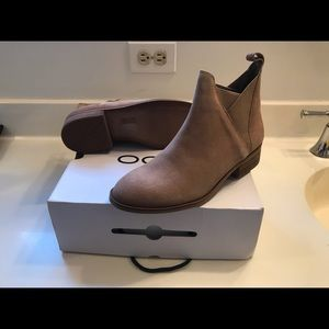 Never worn Aldo Scotch Chelsea Suede Women's boots